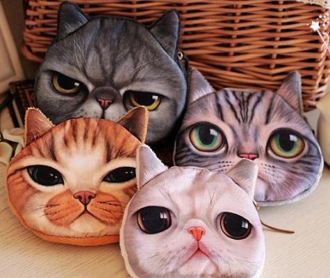 Сумка клатч с кошками.